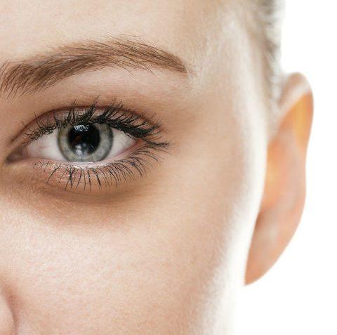 Huidverzorgingsroutine voor rond de ogen, producten & behandelingen