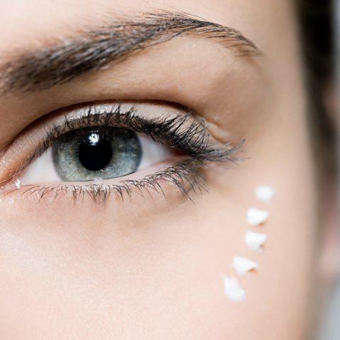 Waar moet je naar zoeken bij oogcrèmes? 7 meest waardevolle ingrediënten