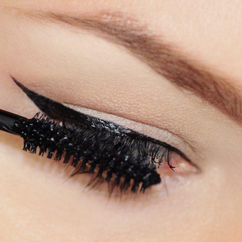 Mascara – Een wonderbaarlijk verhaal over deze iconische cosmetica